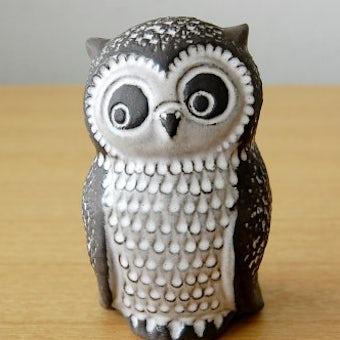 スウェーデンで見つけた陶器のフクロウのオブジェの商品写真