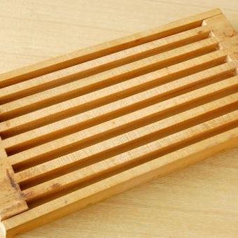 スウェーデンで見つけた木製ブレッドボードの商品写真