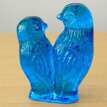 スウェーデンで見つけたガラス製の2羽の小鳥オブジェ(ブルー)の商品写真
