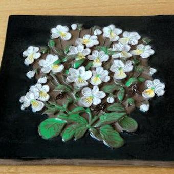 スウェーデン/JIE釜/陶板の壁掛け(大)(白いお花)の商品写真