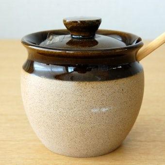 スウェーデンで見つけた陶器のマスタードポット(木べら付き)の商品写真