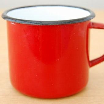 デンマークで見つけたホーロー製のマグカップ(レッド)の商品写真