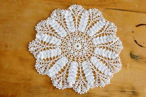 スウェーデンで見つけた手編みドイリー(ホワイト)の商品写真