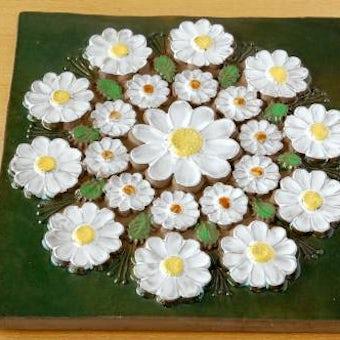 スウェーデン/JIE釜/陶板の壁掛け(特大)(白いお花)の商品写真