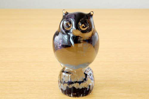 スウェーデンで見つけたガラスのフクロウのオブジェの商品写真