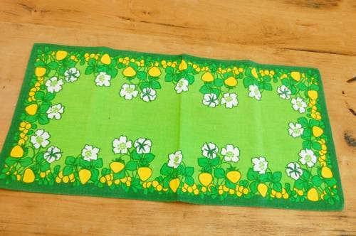 スウェーデンで見つけたセンタークロス(グリーン・花柄)の商品写真