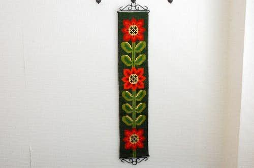スウェーデンで見つけたタペストリー(花模様)の商品写真