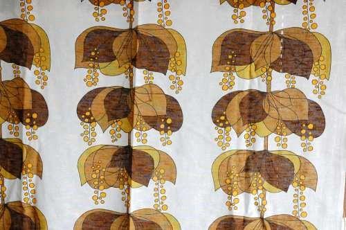 スウェーデンで見つけたカーテン2枚セット(ブラウンのお花)の商品写真