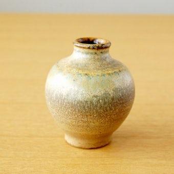 スウェーデンで見つけた小さな陶器の一輪挿し(丸型)の商品写真
