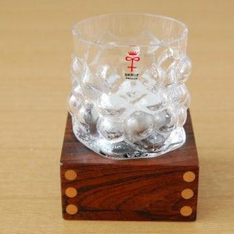 スウェーデンで見つけた木製の台付きガラスのキャンドルホルダー(1)の商品写真