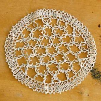 スウェーデンで見つけた手編みドイリー(ベージュ)の商品写真
