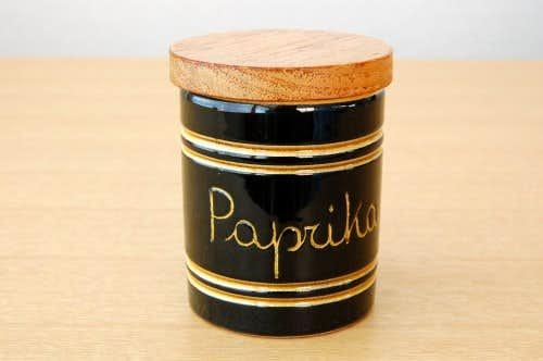 スウェーデンで見つけた木蓋付きスパイスポット/Paprika/パプリカの商品写真