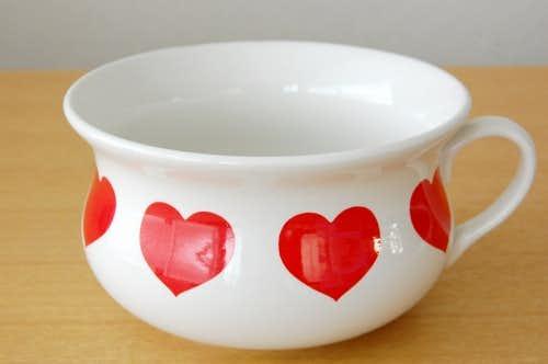 スウェーデンで見つけたハート柄がかわいい陶器のボウルの商品写真