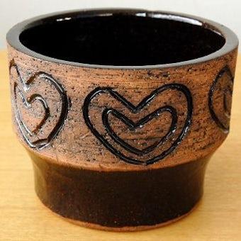 スウェーデン製/LAHOLM/ハート模様の陶器の植木鉢カバーの商品写真