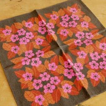 スウェーデンで見つけたセンタークロス(ブラウン・ピンクのお花)の商品写真