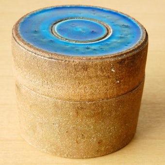 スウェーデンで見つけた青い釉薬が美しい陶器のキャニスターの商品写真