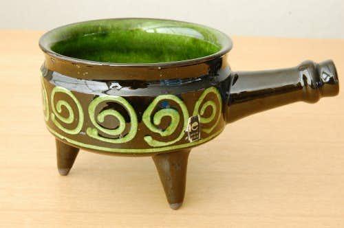 スウェーデン/JIE釜/ユニークなフォルムの陶器のソースポットの商品写真