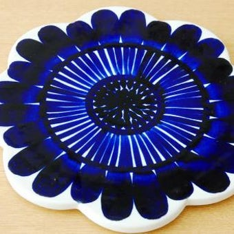 ARABIA /アラビア/GOG/陶器のカッティングボード(お花)の商品写真