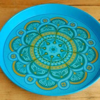 スウェーデンで見つけたブリキのトレー(ブルー)の商品写真