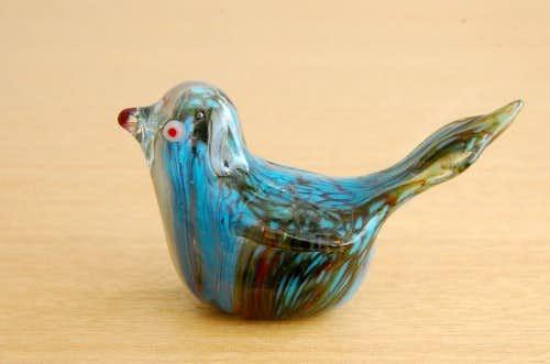 スウェーデンで見つけたガラスの小鳥オブジェ(マーブル模様・S)の商品写真