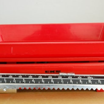 スウェーデン製の古い量り/EKS(レッド)の商品写真