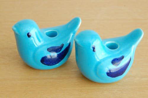 スウェーデンで見つけた陶器の小鳥オブジェ2個セットの商品写真