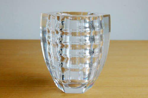スウェーデンで見つけたガラス製の花瓶の商品写真