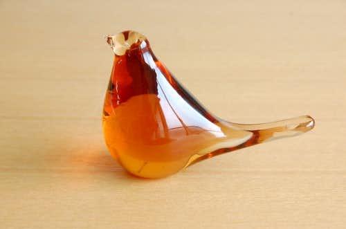 スウェーデンで見つけたガラスの小鳥オブジェ(オレンジ)の商品写真