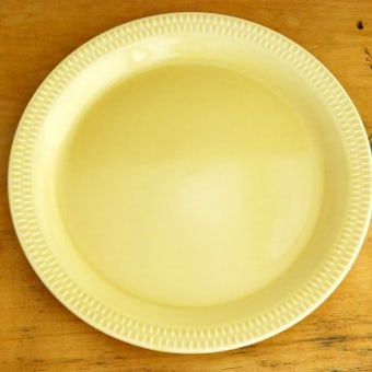 ノルウェー/STAVANGERFLINT/クリームイエローのディナープレート(24cm)の商品写真