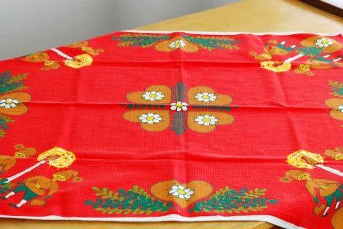 スウェーデンで見つけたテーブルクロス(ろうそくトムテ)の商品写真