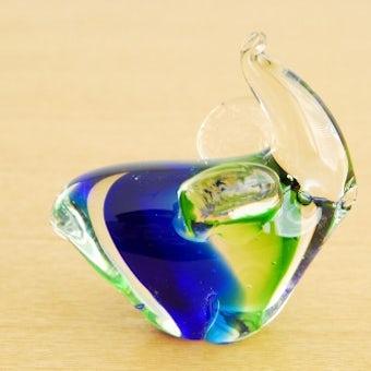 スウェーデンで見つけたガラスの小鳥オブジェ(ブルー×グリーン)の商品写真