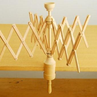 スウェーデンで見つけた古い木製かせくり器の商品写真