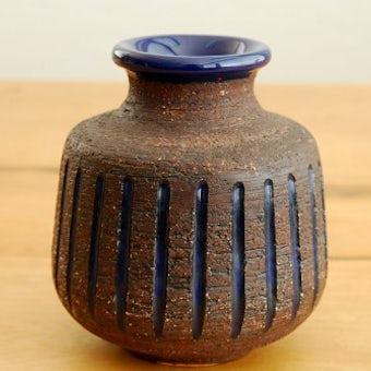 スウェーデンで見つけた陶器の花瓶(ブラウン×ブルー)の商品写真