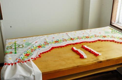 スウェーデンで見つけた花柄が可愛いカーテン(タッセル付き)の商品写真