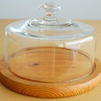 スウェーデンで見つけたガラス製のチーズドームの商品写真