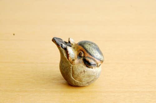 スウェーデンで見つけた陶器の小さな小鳥オブジェの商品写真