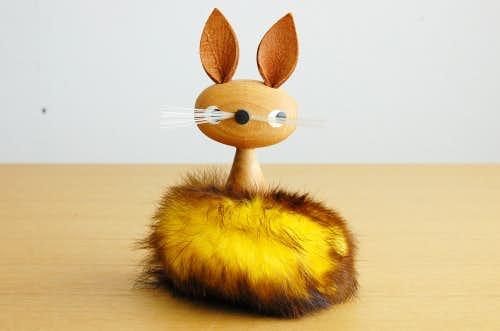 スウェーデンで見つけた木製のネコのオブジェの商品写真