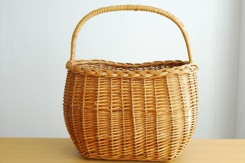 スウェーデンで見つけた柳のバスケットの商品写真