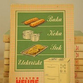 スウェーデンで見つけた古いクッキングブックの商品写真
