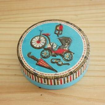 色合い鮮やかなアンティーク缶の商品写真
