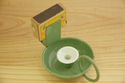 古いキャンドルホルダー(古いマッチ箱付)の商品写真