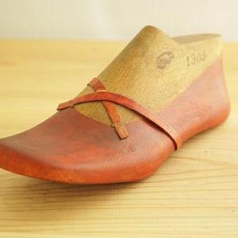 アンティーク 木の靴型 シューズオブジェの商品写真