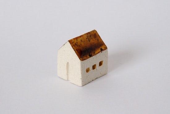 よしおかれい/家のオブジェ/ブラウンの屋根・民家(S)の商品写真