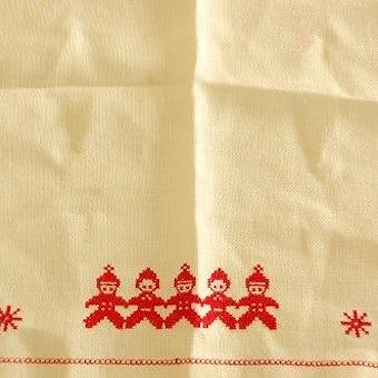 スウェーデンで見つけたクリスマス柄のセンタークロスの商品写真