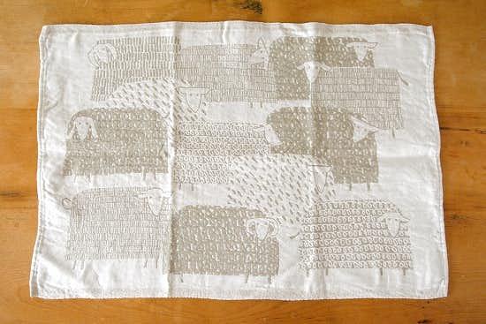 LAPUAN KANKURIT/ラプアン・カンクリ/キッチンタオル/PAKAPAAT/ひつじ/ベージュ×ホワイトの商品写真