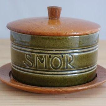 スウェーデンで見つけた木蓋付きバターボウル(木製トレー付)の商品写真