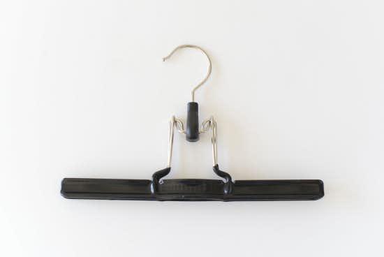 【在庫限り取り扱い終了】MAWAハンガー/ボトムス用/吊り下げ式(ブラック)の商品写真