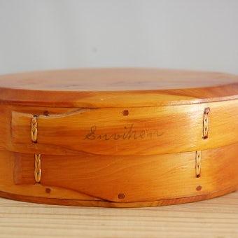 スウェーデンの工芸品/木製オーバルボックスの商品写真
