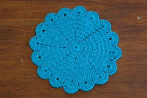 スウェーデンで見つけた手編みドイリー(ラウンド)/コバルトブルーの商品写真