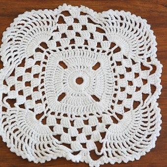 スウェーデンで見つけた手編みドイリー(スクエアL)/ホワイトの商品写真
